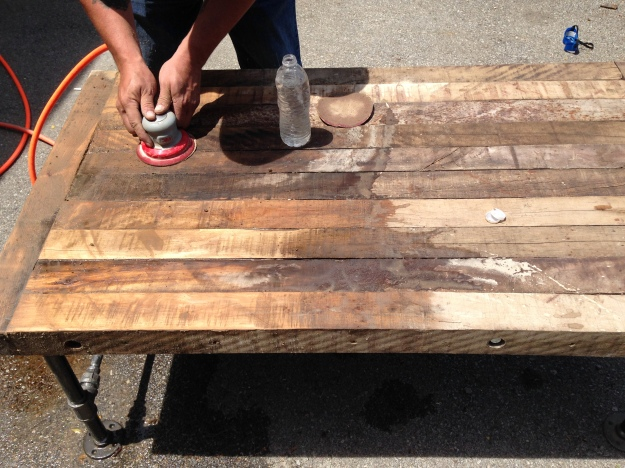 how to sand a barn wood table