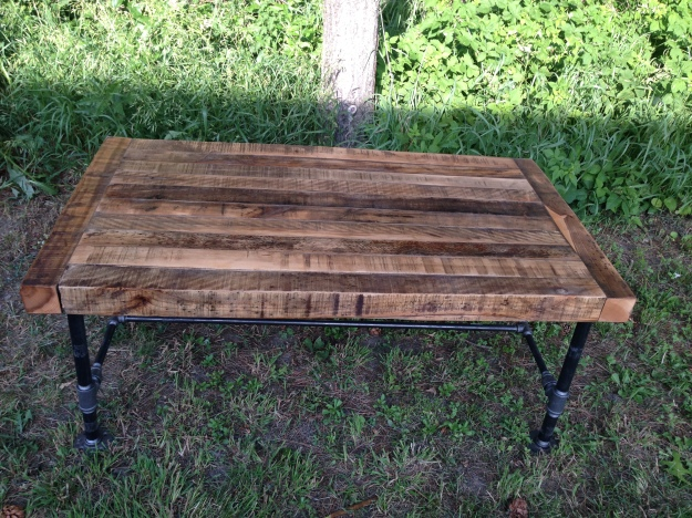 reclaimed rustic table DIY