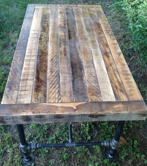 beautiful and rustic table