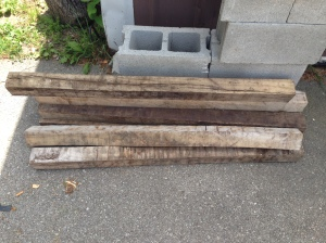 reclaimed wood for table